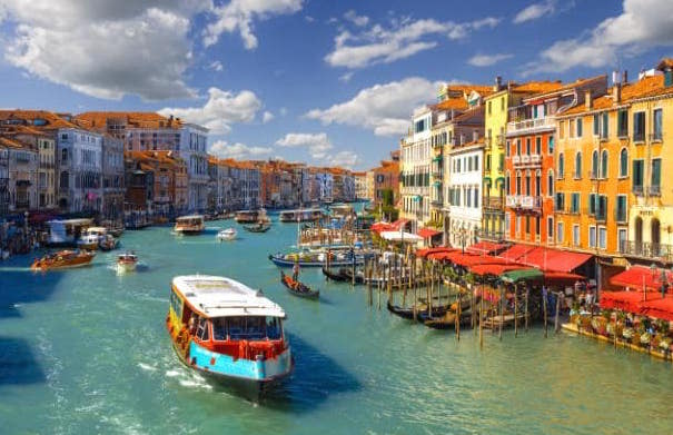 Cruise the Grand Canal